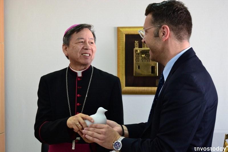 Συνάντηση Αποστολικού Νούντσιου με το Δήμαρχο Τήνου