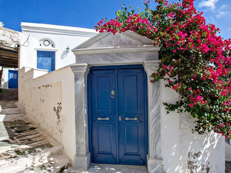 Donna magazin: Νέες προοπτικές στο ελληνικό Αιγαίο. Ταξιδιωτικές συμβουλές για Άνδρο και Τήνο.
